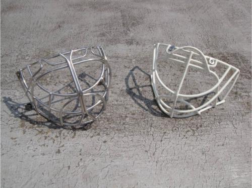 nerezova-mrizka-do-hokejove-helmy-2