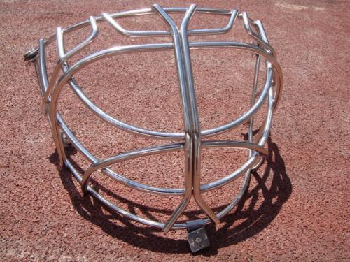 nerezova-mrizka-do-hokejove-helmy