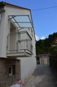 pristresek-na-balkon-nerez-sklo-na-miru-bilovice-nad-svitavou