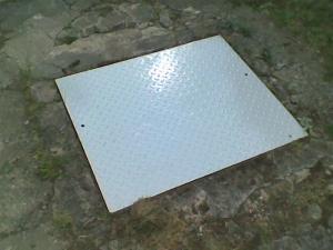 kovovy-poklop-na-odpad-levne-v-brne