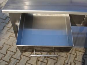 nerezove-stoly-do-kuchyne-brno-levne-2